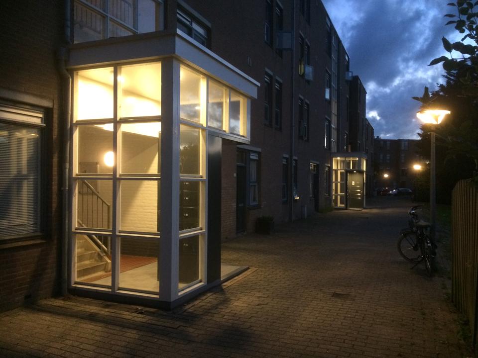 2016 portiekaanbouw Kimwierde by night-960